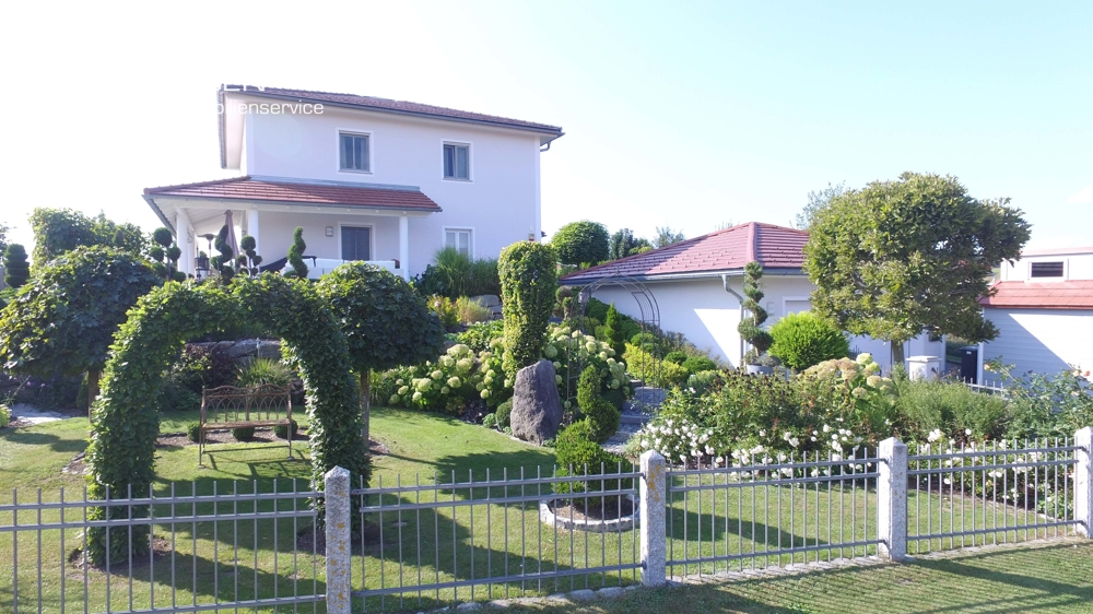 Herzlich Willkommen in Ihrem Traumhaus mit tollem Garten, Doppelgarage & der Natur vor der Haustüre 94169 Thurmansbang, Einfamilienhaus