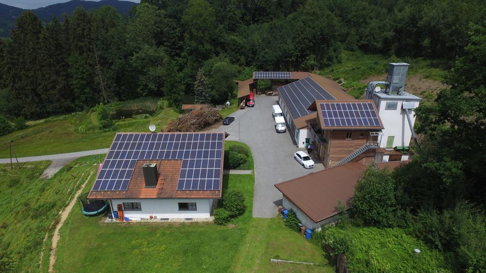 Tolle Alleinlage- Zweifamilienhaus, Produktionsgebäude mit Betriebsleiterwohnung 94157 Perlesreut, Zweifamilienhaus
