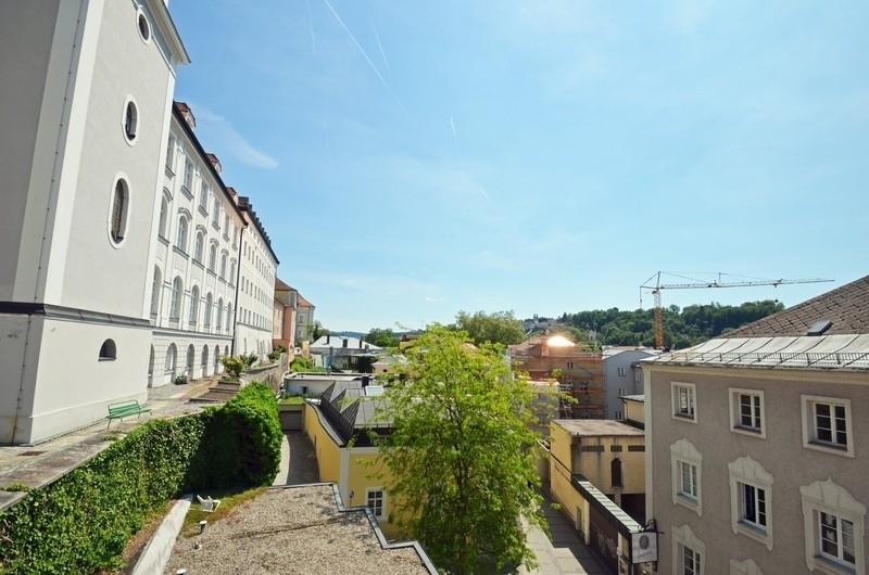 WÜSTENROT IMMO *** Großzügige Altstadtwohnung mit Dachterrasse- ideal auch für eine 6er-WG *** 94032 Passau, Etagenwohnung